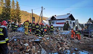 Ratownicy znaleźli w gruzach ciała ośmiu ofiar, w tym czworga dzieci.