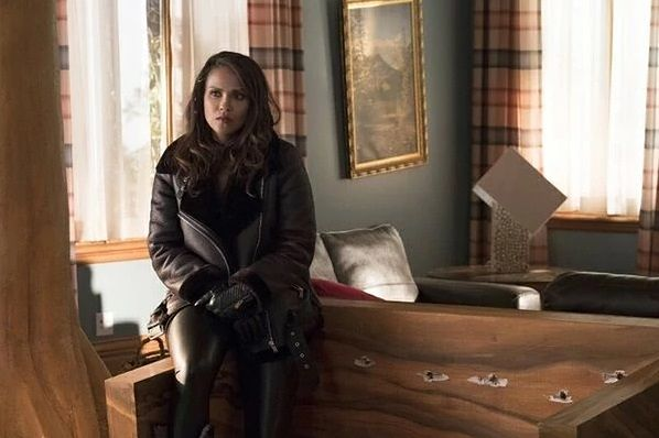 Lucyfer sezon 3, odcinek 3: Pan i pani Mazikeen Smith (Mr. and Mrs. Mazikeen Smith)