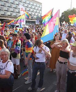 Marsz Równości w Krakowie. W tym samym czasie kontrmanifestacja