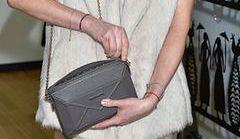 Co kobiety noszą w torebkach?