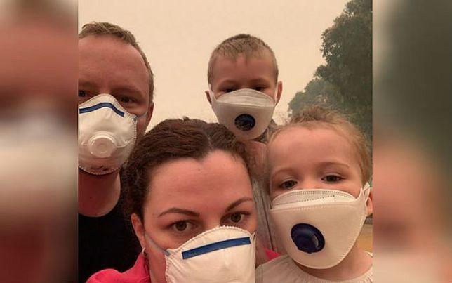Australia. Czteroosobowa rodzina musiała nosić maski