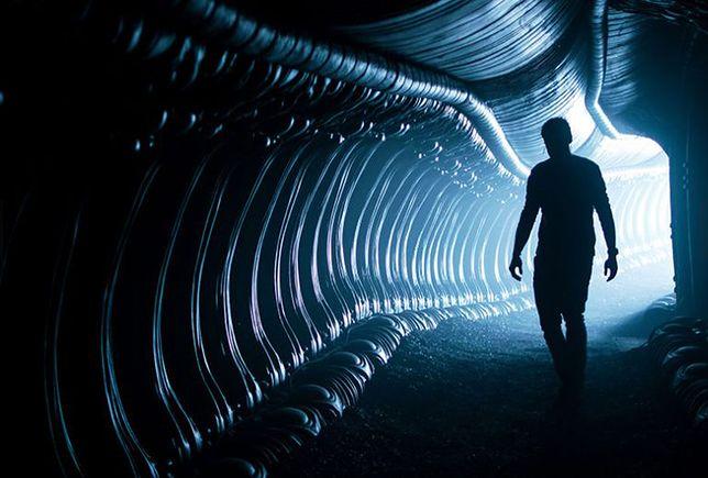 """""""Obcy: Przymierze"""": między filozoficznym zacięciem a trzymającym w napięciu kinem akcji [RECENZJA]"""