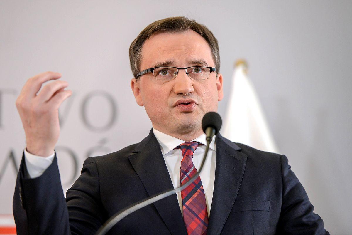 """Zbigniew Ziobro napisał list do Gersdorf. Chce """"niezwłocznego"""" zwołania rady KRS"""