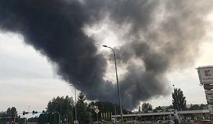 Pożar w Sosnowcu. Płoną pojemniki z nieznaną substancją