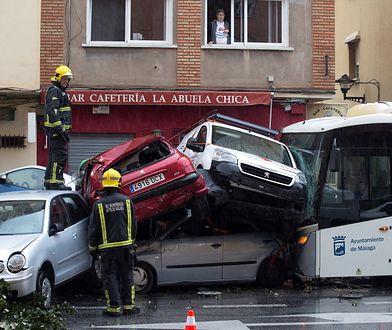 Autobusem jechało 13 pasażerów - nikomu nic się nie stało