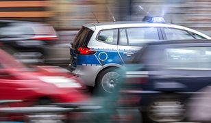 Policja eskortowała samochód osobowy do Grudziądza. W osobówce jechała kobieta potrzebująca interwencji medycznej.