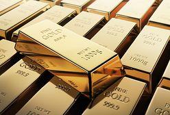 Polacy nadal kochają złoto. I lokują w nim pieniądze