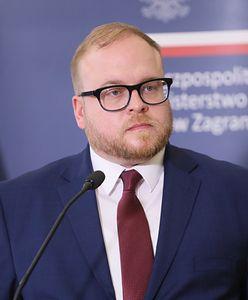 Łukasz Jasina zatrudniony w MSZ. Staszewski: jeśli rzeczywiście jest gejem, należy o tym mówić