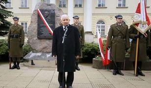 """Głaz Lecha Kaczyńskiego zostaje? """"Postępowanie zawieszone"""""""