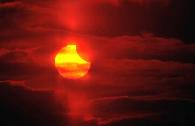 """Naukowcy alarmują! Ziemi grozi """"solarna"""" katastrofa"""