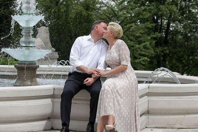 Andrzej Duda świętuje Światowy Dzień Pocałunku i publikuje zdjęcie z żoną