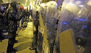 """Incydent na """"czarnym proteście"""". Anarchiści: to policja nas zaatakowała"""