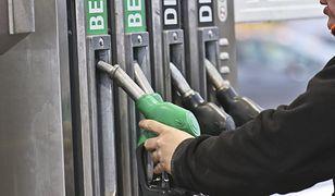 Polak za średnią krajową może kupić 851 litrów paliwa. Jak to wygląda w innych krajach?