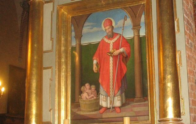 Bardzo liczne i bogate pochówki odnaleziono w kościele w Gniewie