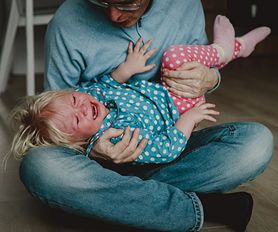 7 rzeczy, których uczysz dziecko, stosując klapsy