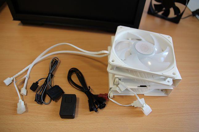 Biel Sickleflow 120 ARGB pasuje odcieniem do bieli Castle 240EX oraz Macube 110. Perfecto!