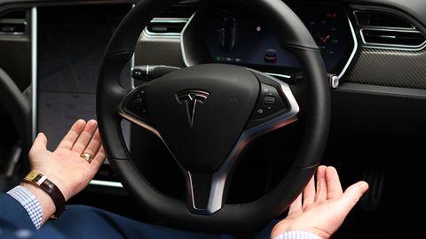 Tesla wprowadza ważną aktualizację. Kierowcy skorzystają z autopilota