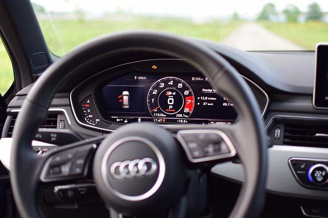 Wnętrze Audi A4 - ceny tego modelu zaczynają się od około 135 tys. zł