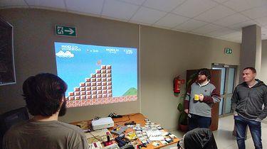 Turniej Contra, czyli retro zabawa z projektorem Optoma GT5500+