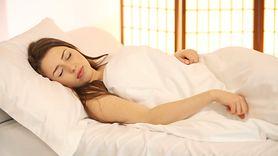 Sny mogą być pierwszym objawem parkinsona. Na co uważać? (WIDEO)