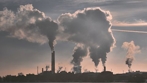 Chińskie fabryki bez energii elektrycznej. Ceny węgla poszybowały