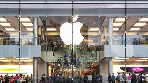 Mnóstwo chętnych na wymianę baterii w iPhone'ach, w Apple brakuje rąk do pracy