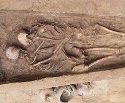 Niezwykłe odkrycie w Chinach. Szkielety kochanków w objęciach