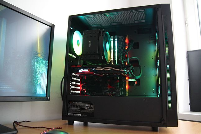 Na Matrexx 55 może nie składałbym stacji roboczej, ale gamingowy PC z średniej półki jak najbardziej.