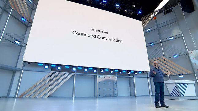 Prezentacja nowych możliwości Asystenta podczas Google I/O 2018.