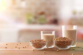 Mleko roślinne – co warto wiedzieć? Jak i z czego je zrobić?