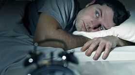 Jak zasnąć podczas upałów? Poznaj nasze sposoby (WIDEO)