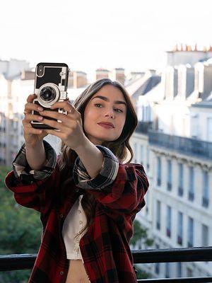 """Obejrzałam """"Emily w Paryżu"""" i powiem Wam, dlaczego ten serial nie ma sensu"""