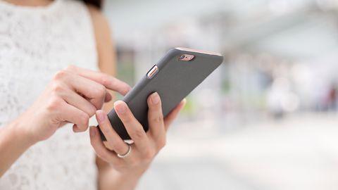 Alior Bank przestrzega przed SMS-ami w przeglądarce i... ma sporo racji