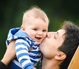 Tata na urlopie, czyli rekordowa popularność urlopów ojcowskich