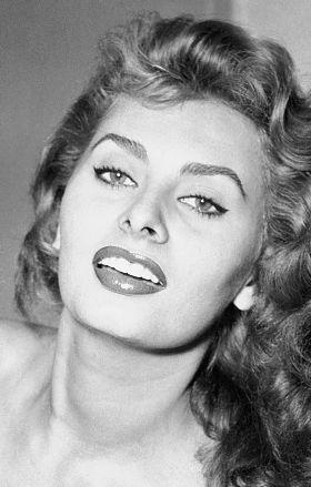 Sophia Loren jest jedną z największych gwiazd włoskiego kina (Getty Images)