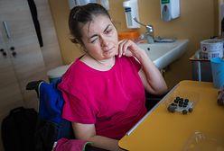 """Zmarła Oksana, którą pracodawca zostawił na przystanku. """"Jeszcze niedawno czuła się dobrze"""""""