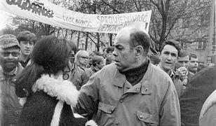 Jacek Kuroń na demonstracji opozycyjnej