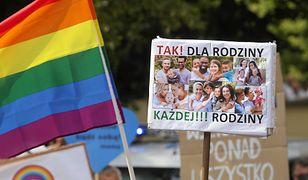Zaskakujący gest PiS wobec LGBT? Mamy komentarz z partii Kaczyńskiego