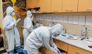 Japonia. Wykryto tam nowy szczep koronawirusa, kraj mierzy się z trzecią falą