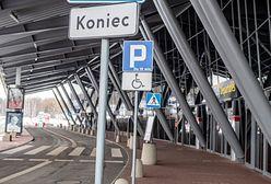 Incydent na lotnisku w Łodzi. Zakażony chciał wejść do samolotu