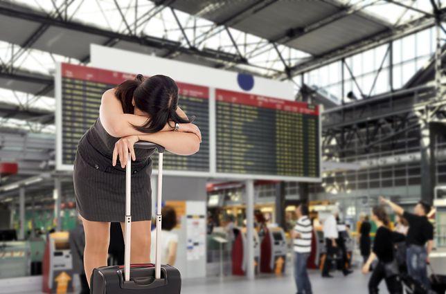 Mieli polecieć do Turcji. Czekają już od kilkunastu godzin