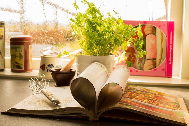 Bielsko-Biała. Seniorzy tworzą książkę kucharską.