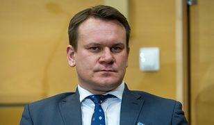 Dominik Tarczyński zapowiada ustawę anty fake newsową