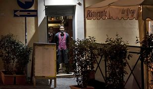 Koronawirus z Chin. Włoski wirusolog: trzeba zamknąć wszystkie restauracje i kluby