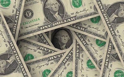 Dolar bije kilkunastoletnie rekordy