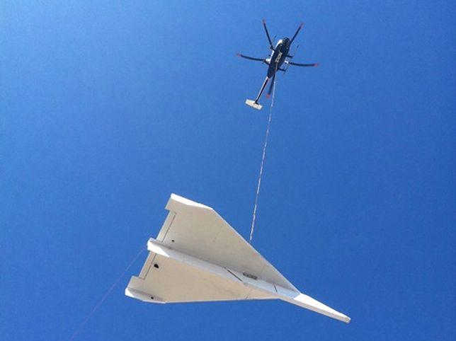 14 m długości i 350 kg wagi - poleciał największy papierowy samolot świata