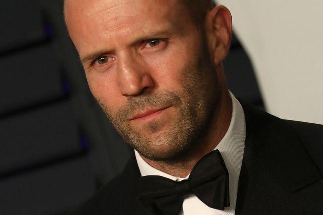 """Internetowy """"Jason Statham"""" oszukał kobietę."""