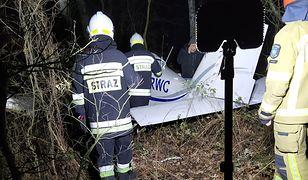 Awaryjne lądowanie awionetki w lesie koło Marek. To pilotka zawiadomiła służby