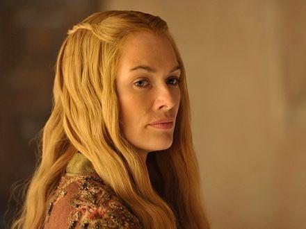 Cersei może chodzić nago