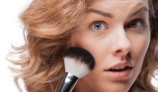 Lekki makijaż jest bardzo prosty i szybki